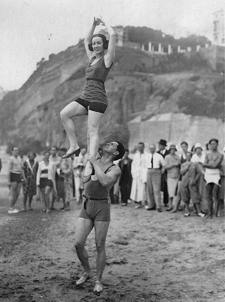 Nouvelle-Aquitaine「Edmonde Dancer Guy And Van Duren」:写真・画像(12)[壁紙.com]