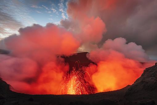 Volcanic Landscape「Mount Yasur Tanna Island Vanuatu Volcano Eruption」:スマホ壁紙(1)