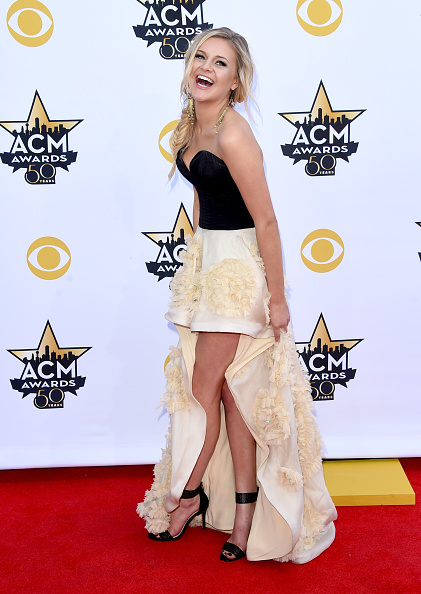 T 「50th Academy Of Country Music Awards - Arrivals」:写真・画像(5)[壁紙.com]
