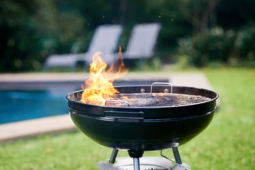 Weekend Activities「Time to get grilling」:スマホ壁紙(2)
