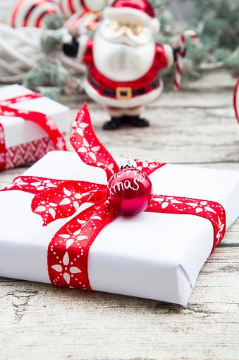 Tradition「Christmas presents」:スマホ壁紙(12)