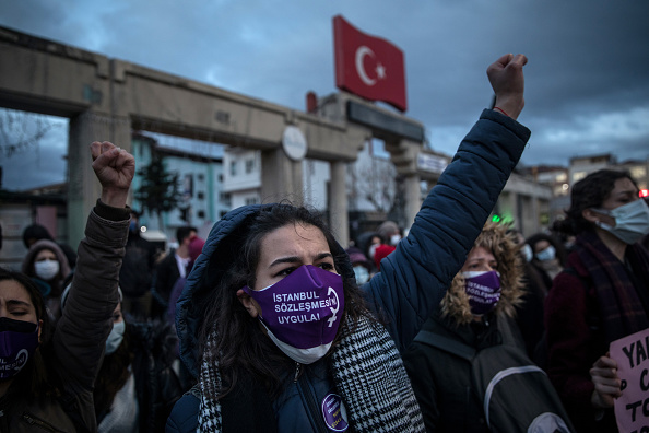 Human Interest「Protests Continue Over Turkey's Withdrawal From The Istanbul Convention」:写真・画像(2)[壁紙.com]
