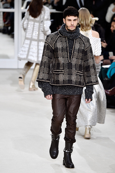 Only Men「Chanel : Runway - Paris Fashion Week Womenswear Fall/Winter 2016/2017」:写真・画像(8)[壁紙.com]