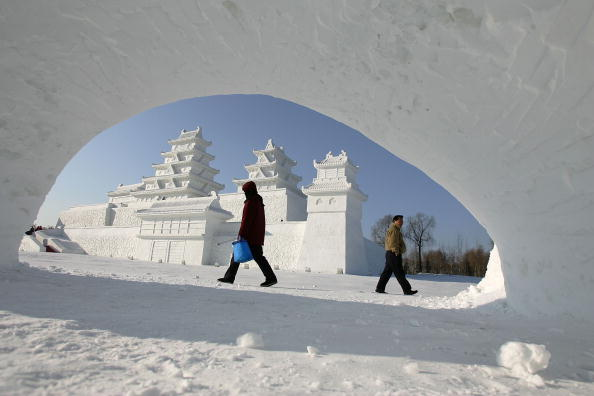 雪まつり「Annual Harbin Ice Festival Kicks Off」:写真・画像(9)[壁紙.com]