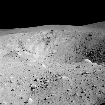 月「Apollo 16 image of lunar surface」:スマホ壁紙(16)
