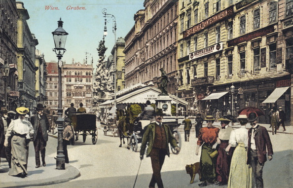 Vienna - Austria「Vienna, Graben -famous  street in city centre with people strolling.」:写真・画像(19)[壁紙.com]
