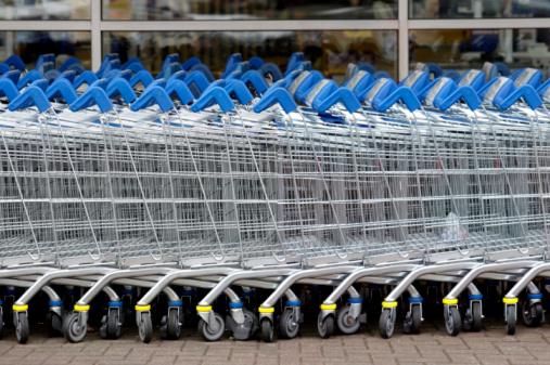 Supermarket「Row of shopping trolleys」:スマホ壁紙(11)