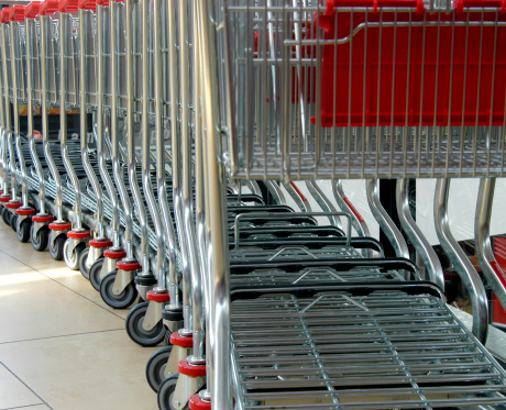 A Helping Hand「row of shopping carts」:スマホ壁紙(1)