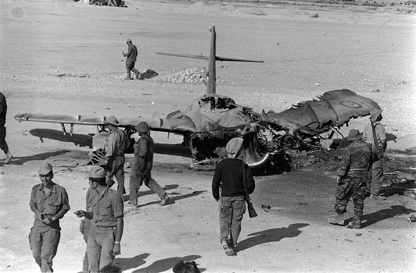 Middle East「Crashed Plane」:写真・画像(2)[壁紙.com]