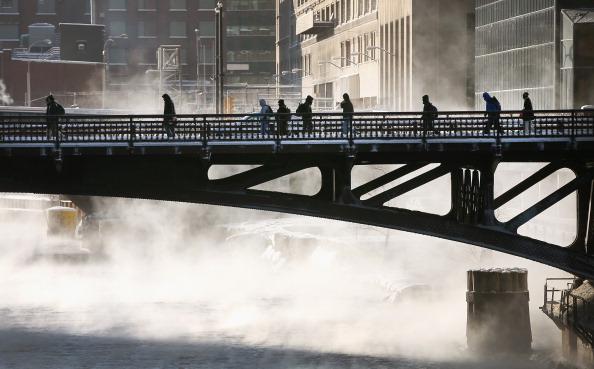 Scott Olson「Sub-Zero Temperatures Put Chicago Into Deep Freeze」:写真・画像(11)[壁紙.com]