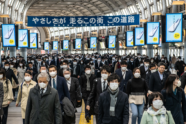 Tokyo - Japan「Japan Imposes State Of Emergency To Contain Coronavirus Outbreak」:写真・画像(6)[壁紙.com]