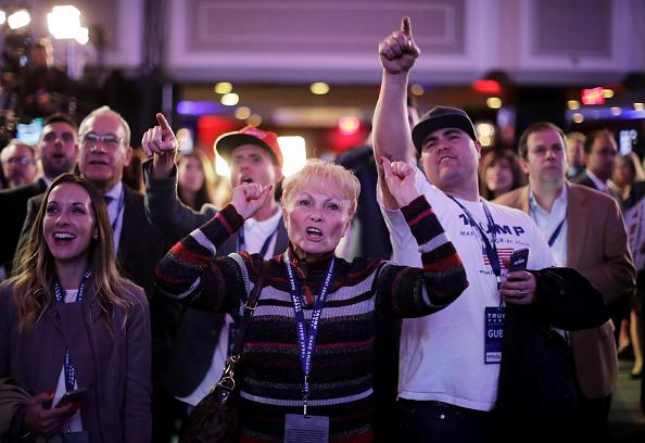 ミッドタウンマンハッタン「Republican Presidential Nominee Donald Trump Holds Election Night Event In New York City」:写真・画像(8)[壁紙.com]