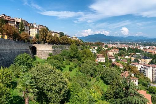 Bergamo「Bergamo, Italy」:スマホ壁紙(17)