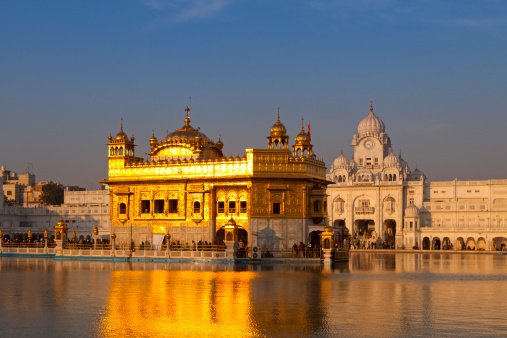 Punjab - India「Golden Temple, Amritsar in early morning light」:スマホ壁紙(17)