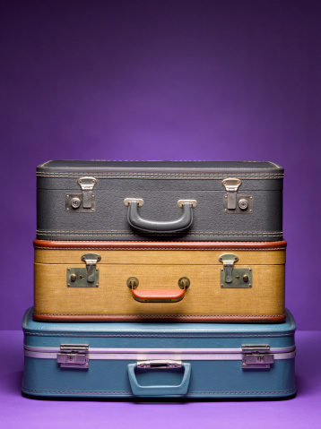 Choice「Stack of Suitcases」:スマホ壁紙(0)