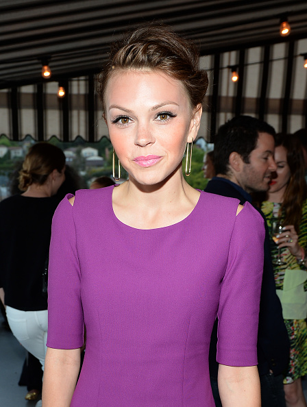 Aimee Teegarden「InStyle Celebrates The Launch of Elizabeth And James Fall 2013 Handbag Collection」:写真・画像(12)[壁紙.com]
