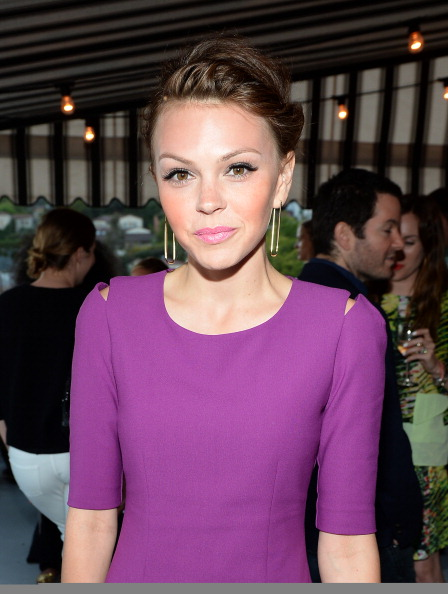Aimee Teegarden「InStyle Celebrates The Launch of Elizabeth And James Fall 2013 Handbag Collection」:写真・画像(10)[壁紙.com]