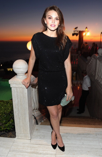 Aimee Teegarden「SeaChange Summer Party To Benefit Oceana - Inside」:写真・画像(2)[壁紙.com]