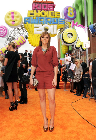 Aimee Teegarden「Nickelodeon 2011 Kids' Choice Awards - Red Carpet」:写真・画像(15)[壁紙.com]