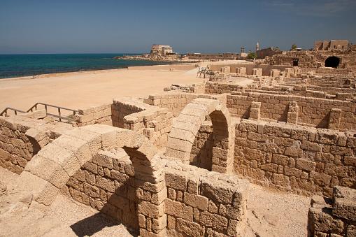 Roman「Ancient Roman baths at Caesarea, Israel」:スマホ壁紙(9)