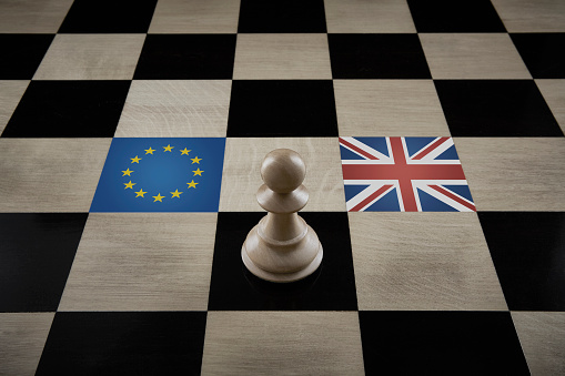 Battle「Playing Chess with Brexit」:スマホ壁紙(11)