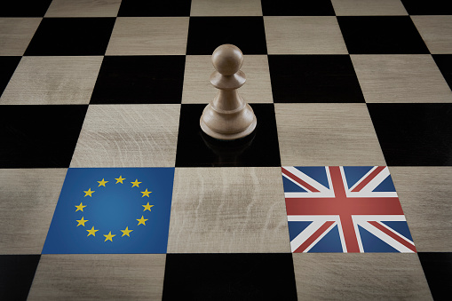 Battle「Playing Chess with Brexit」:スマホ壁紙(10)