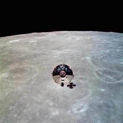 1969「The Apollo 10 Command and Service Modules in lunar orbit.」:スマホ壁紙(15)