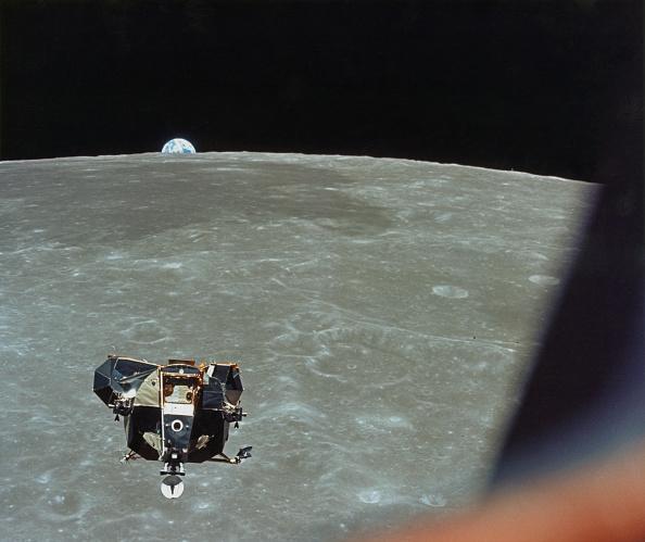 Orbiting「Apollo 11 Lunar Ascent」:写真・画像(11)[壁紙.com]
