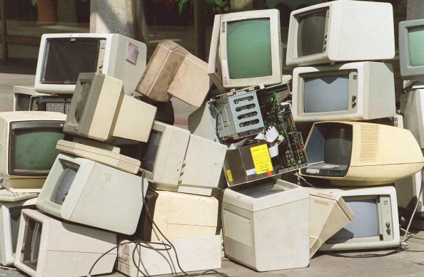 Photoshot「Redundant Computers」:写真・画像(0)[壁紙.com]
