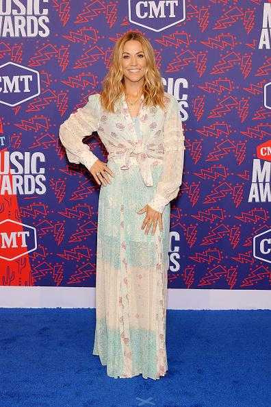 Sheryl Crow「2019 CMT Music Awards - Arrivals」:写真・画像(7)[壁紙.com]