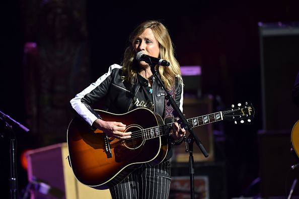 Sheryl Crow「5th Annual Light Up The Blues Concert - An Evening of Music to Benefit Autism Speaks」:写真・画像(7)[壁紙.com]