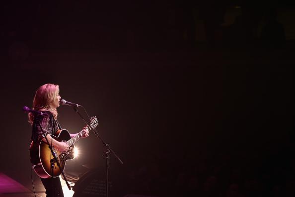 Sheryl Crow「The Life & Songs of Emmylou Harris: An All Star Concert Celebration - Show」:写真・画像(15)[壁紙.com]