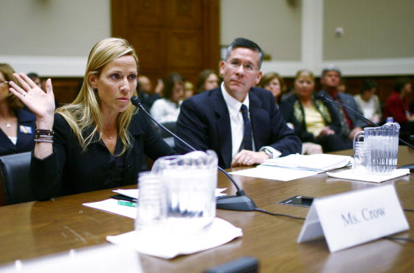 Breast「Sheryl Crow Testifies In Support Of Breast Cancer Research」:写真・画像(3)[壁紙.com]