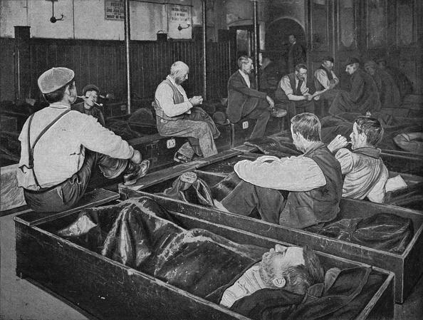 Bedroom「Inside Medland Hall homeless shelter, Ratcliff, London, c1900 (1901)」:写真・画像(7)[壁紙.com]