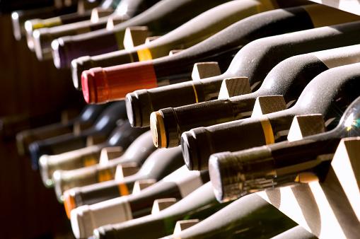 Liquor「ボトルのワインラック」:スマホ壁紙(17)