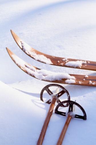 Ski Pole「Vintage skis and poles」:スマホ壁紙(11)