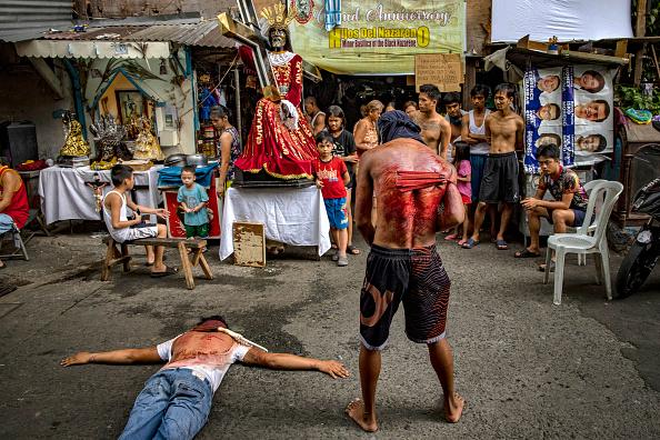 Religion「Filipinos Mark The Holy Week Amid The Coronavirus Outbreak」:写真・画像(2)[壁紙.com]