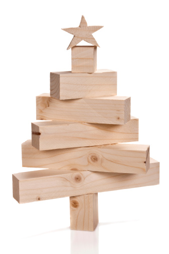 Wooden Post「Stacked lumbers in the shape of a christmas tree」:スマホ壁紙(17)