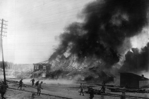 Finland「Burning Base」:写真・画像(2)[壁紙.com]