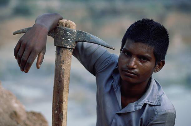 Young Labourer:ニュース(壁紙.com)