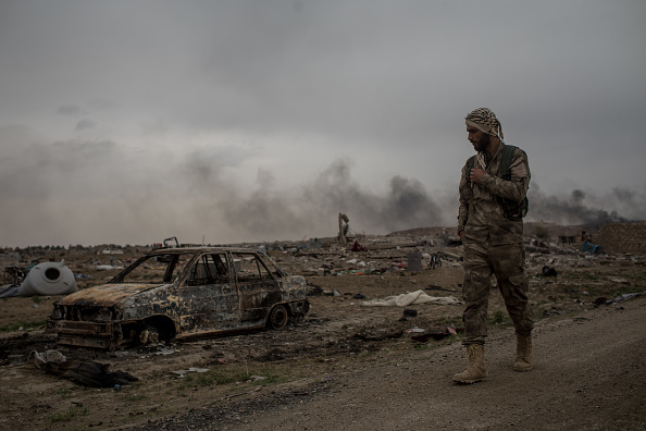 Militant Groups「Last ISIS-Held Village In Syria Falls to US-Backed Forces」:写真・画像(5)[壁紙.com]