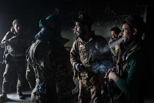 Chris McGrath「SDF Fighters Battle Last Pockets Of ISIL Resistance In Syria」:写真・画像(3)[壁紙.com]