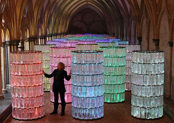 New「Bruce Munro's Water Towers Light And Sound Installation At Salisbury Cathedral」:写真・画像(14)[壁紙.com]