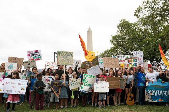 Teenager「Teen Activist Greta Thunberg Joins Climate Strike Outside The White House」:写真・画像(6)[壁紙.com]