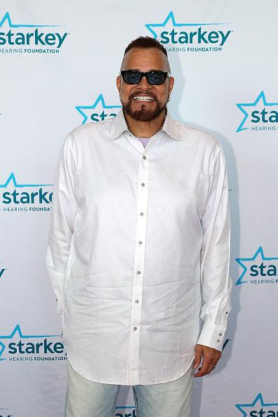 白いシャツ「2018 So The World May Hear Awards Gala Benefitting Starkey Hearing Foundation」:写真・画像(16)[壁紙.com]