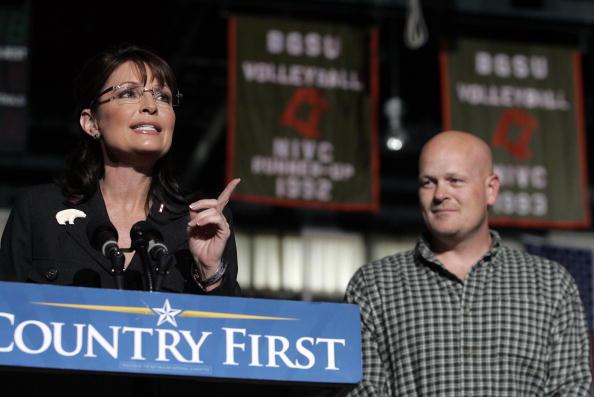 Joe Wurzelbacher「Palin Campaigns In Ohio Six Days Before Election」:写真・画像(5)[壁紙.com]