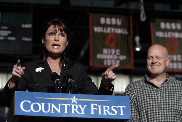 Joe Wurzelbacher「Palin Campaigns In Ohio Six Days Before Election」:写真・画像(19)[壁紙.com]