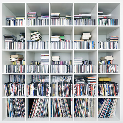DVD「CDs, DVDs and records on shelves」:スマホ壁紙(17)