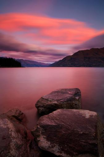 South Island New Zealand「Lake Wakatipu At Dusk」:スマホ壁紙(12)