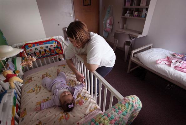 Parent「Incarcerated Women Allowed To Keep Newborns In Illinois Pilot Program」:写真・画像(16)[壁紙.com]